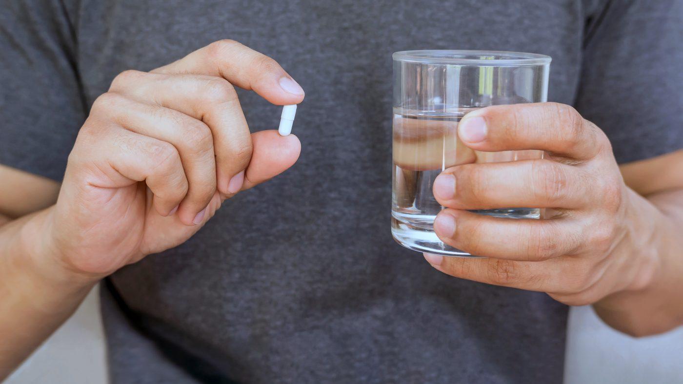 Kapsel mit Vitaminen für die Fruchtbarkeit